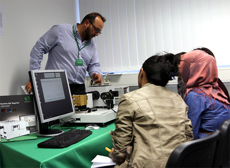 Practical Session during the Course on Time-resolved Fluorescence Spectroscopy in November 2016.
