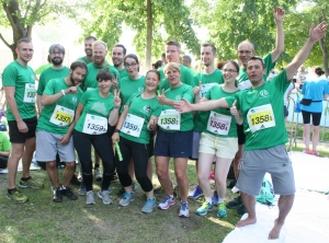 The race is on… PicoQuant employees compete in relay race