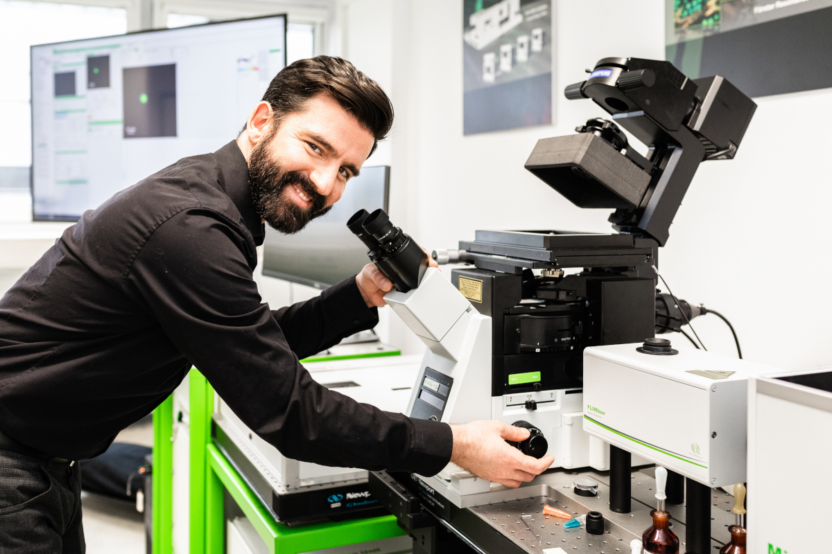 PicoQuant's Time-resolved Microscopy Course goes online